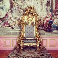 palace-thrown